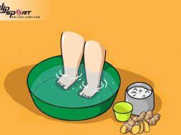 cách nấu nước gừng ngâm chân cho bé